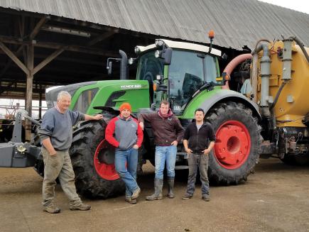 Vandersanden Farms, Milchviehbetrieb im Süden Michigans, USA -  800 Vario