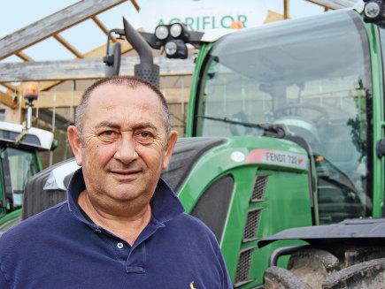 Vanni Girotti, proprietario dell'azienda agricola Agriflor nel Modenese, Italia - 211, 720 Vario